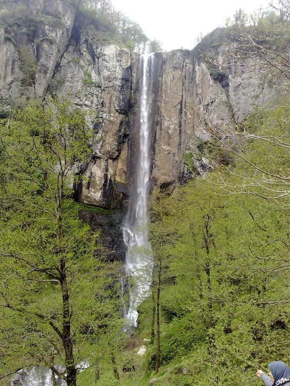 آبشار لاتون در آستارا٬ آبشار لاتون در اردبیل٬ آدرس آبشار لاتون٬ بلند ترین آبشار ایران٬ تصاویر آبشار لاتون٬ عکس آبشار لاتون٬ عکس های آبشار لاتون